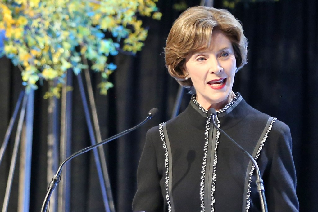 Laura Bush: Behind the Scenes with her Family at the White House ...