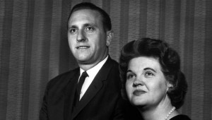 president-monson-with-wife-c