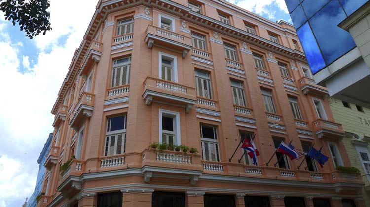 Hotel-Ambos-Mundos-Havana-Hemingway-Cruising-to-Cuba
