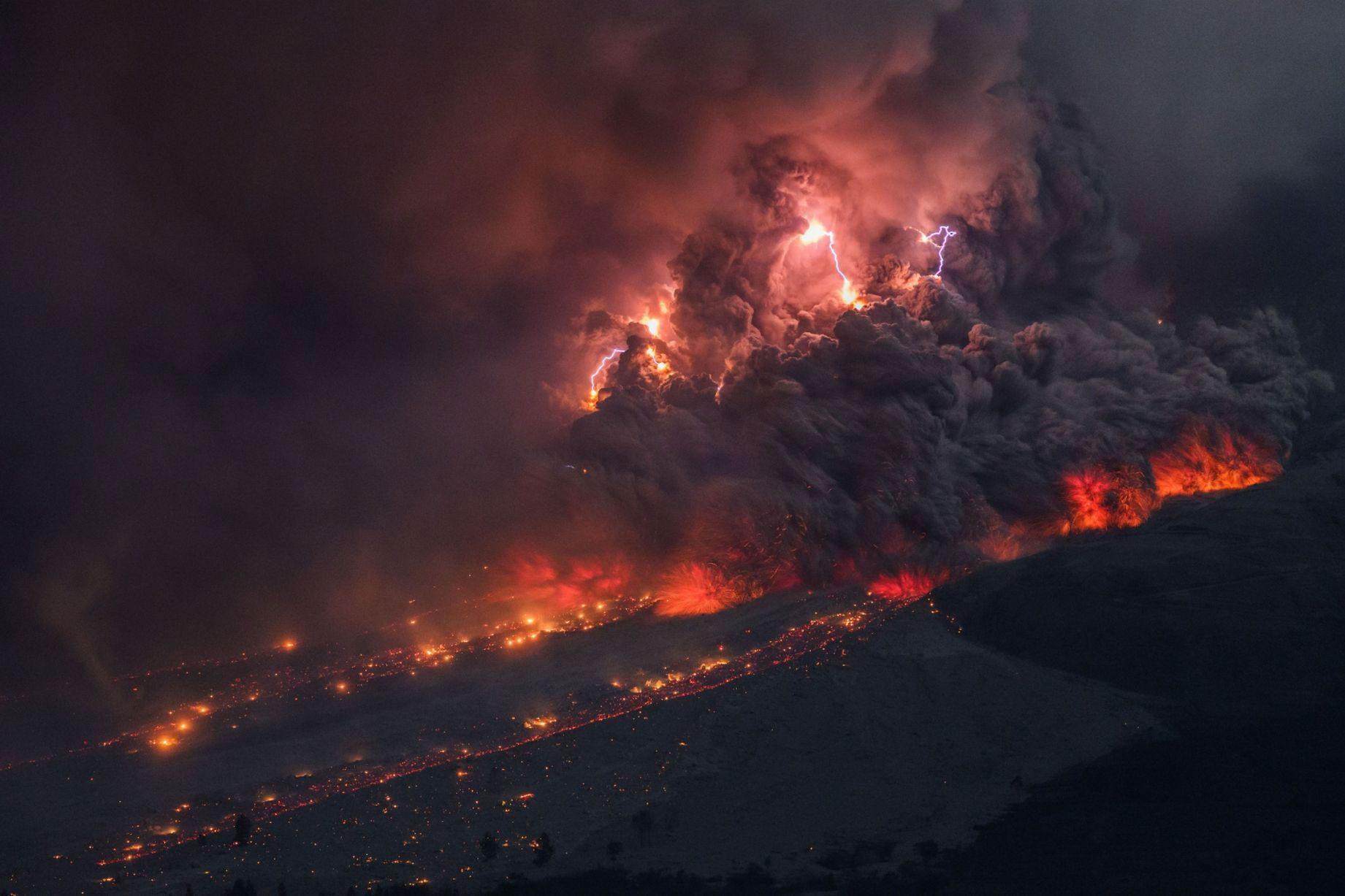 sinabung-volcano