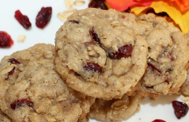 cranberry-orange-oat-cookie