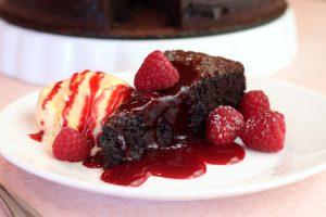raspberry flourless choc cake