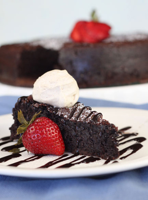Full-Flourless-Chocolate-Cake2