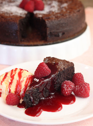 Full-Raspberry-Flourless-Chocolate-Cake3