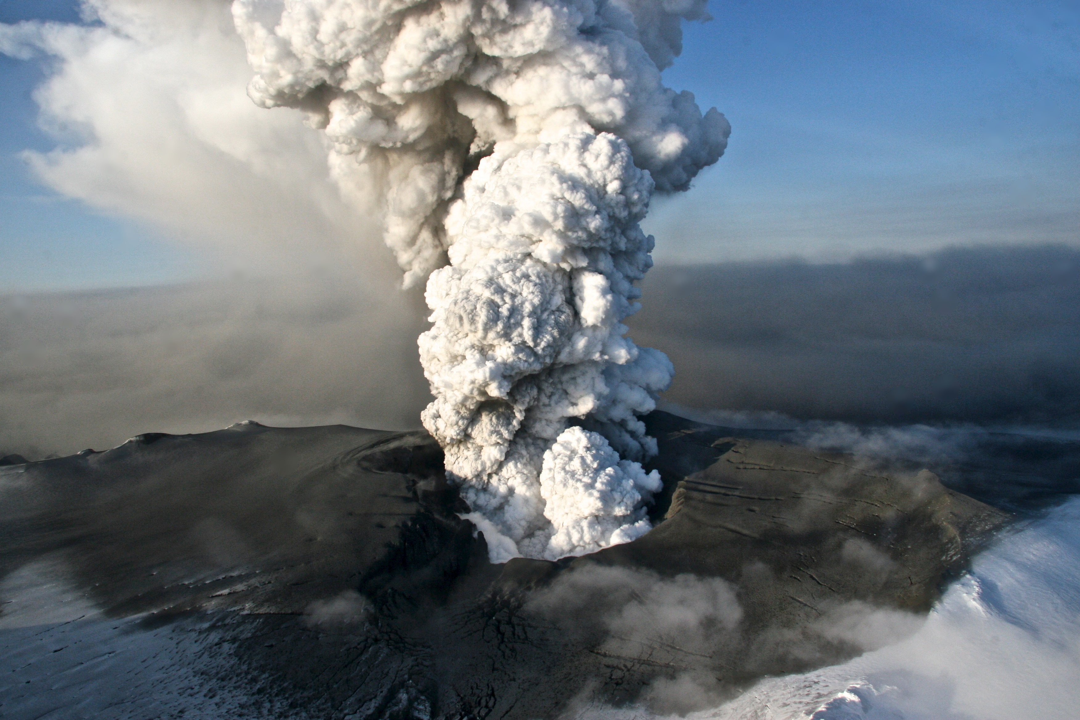 Picture #4 - Iceland volcano 2010