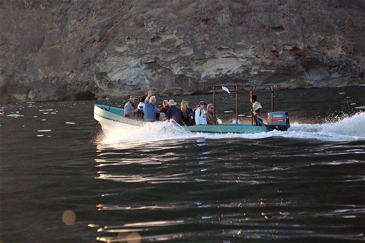 Kharfot_Team_Boat_Ride